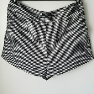 Forever 21 houndstooth tweed mid rise shorts